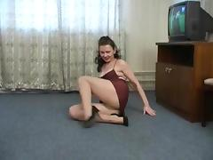 Kinky Russian MILF in pantyhose teases nicely