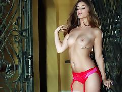 An amazing solo scene with the beautiful and horny Teddi Rae