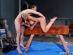 gymnast sucks cock