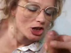 Granny Fist Fuck & Facial