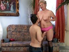 Horny Mature Amateur Gives A Hot Head And Gets Nailed