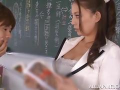 Horny teacher Mako Oda pleases her students