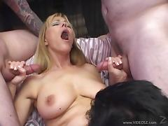 Big-breasted milf Nicole Moore enjoys MMF pounding