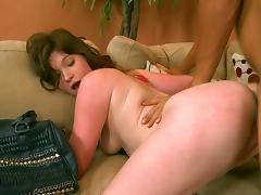 Curvy bimbo devoured in a harsh play
